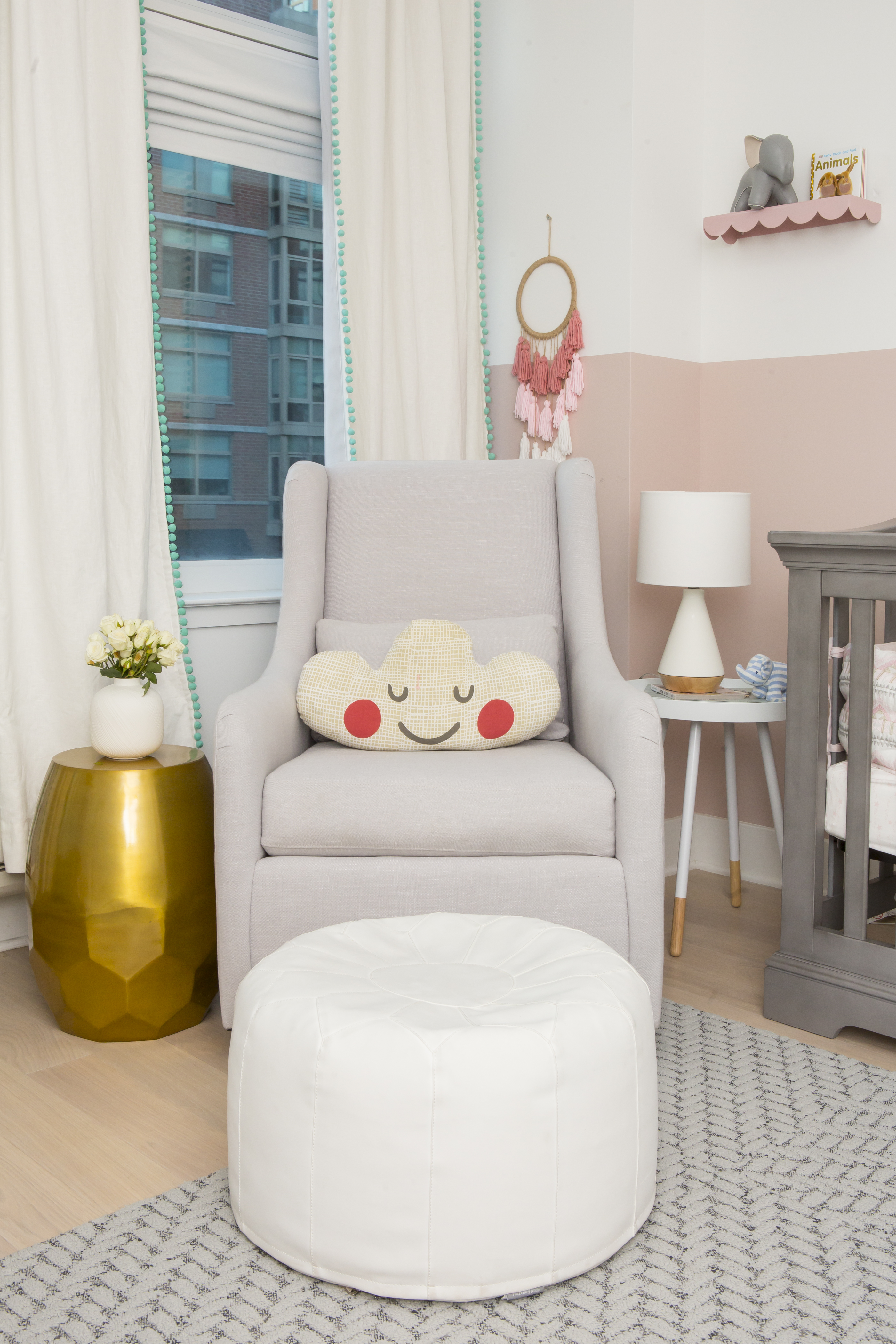 Get Decorated Modern Nursery Design