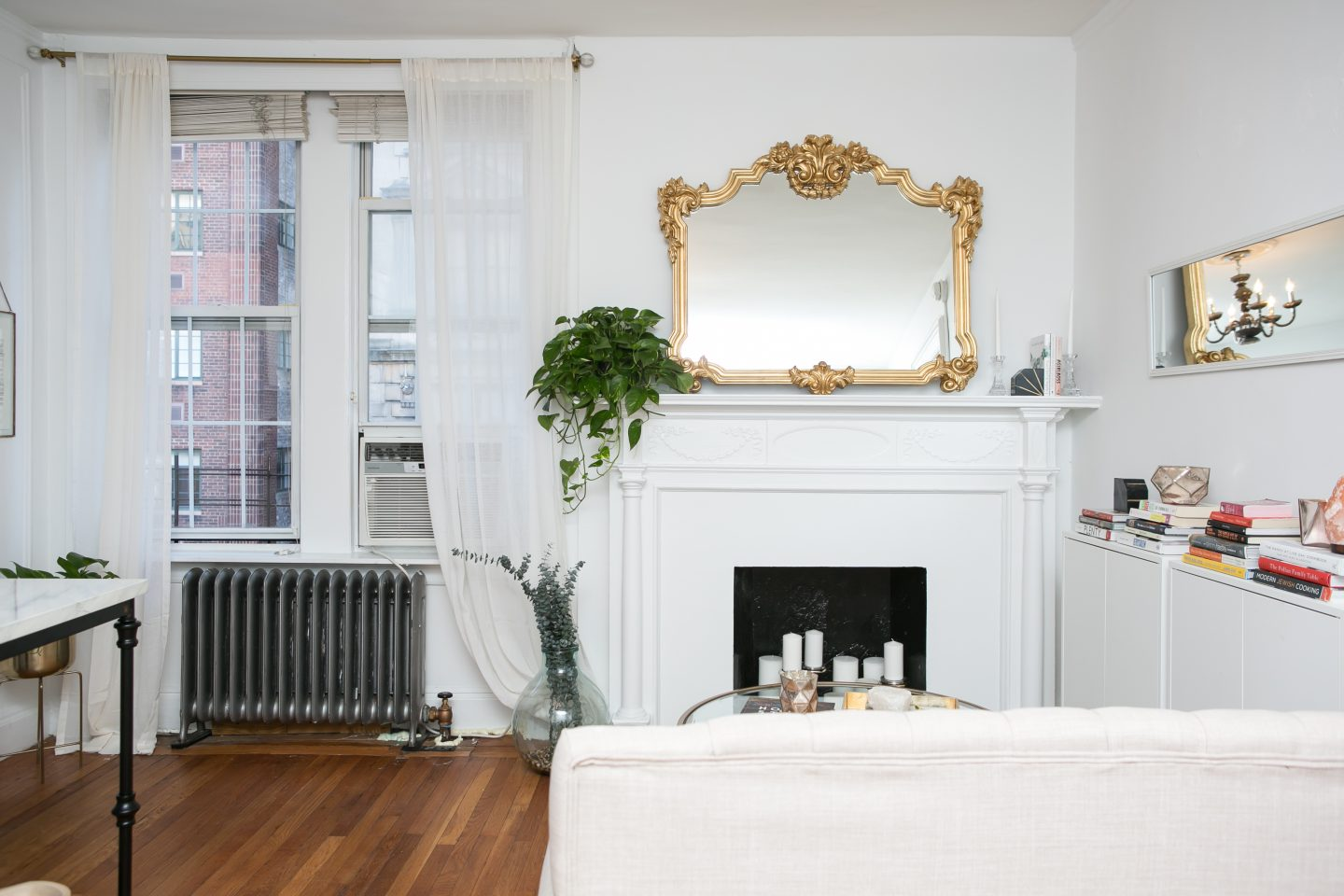 Surprising Home Tour The Whole Taras Parisian Inspired Nyc Apartment Interior Design Ideas Ghosoteloinfo